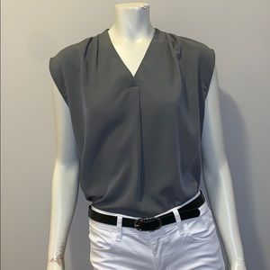 🌸 BANANA REPUBLIC SHORT SLEEVE BLOUSE OLIVE! 🌸